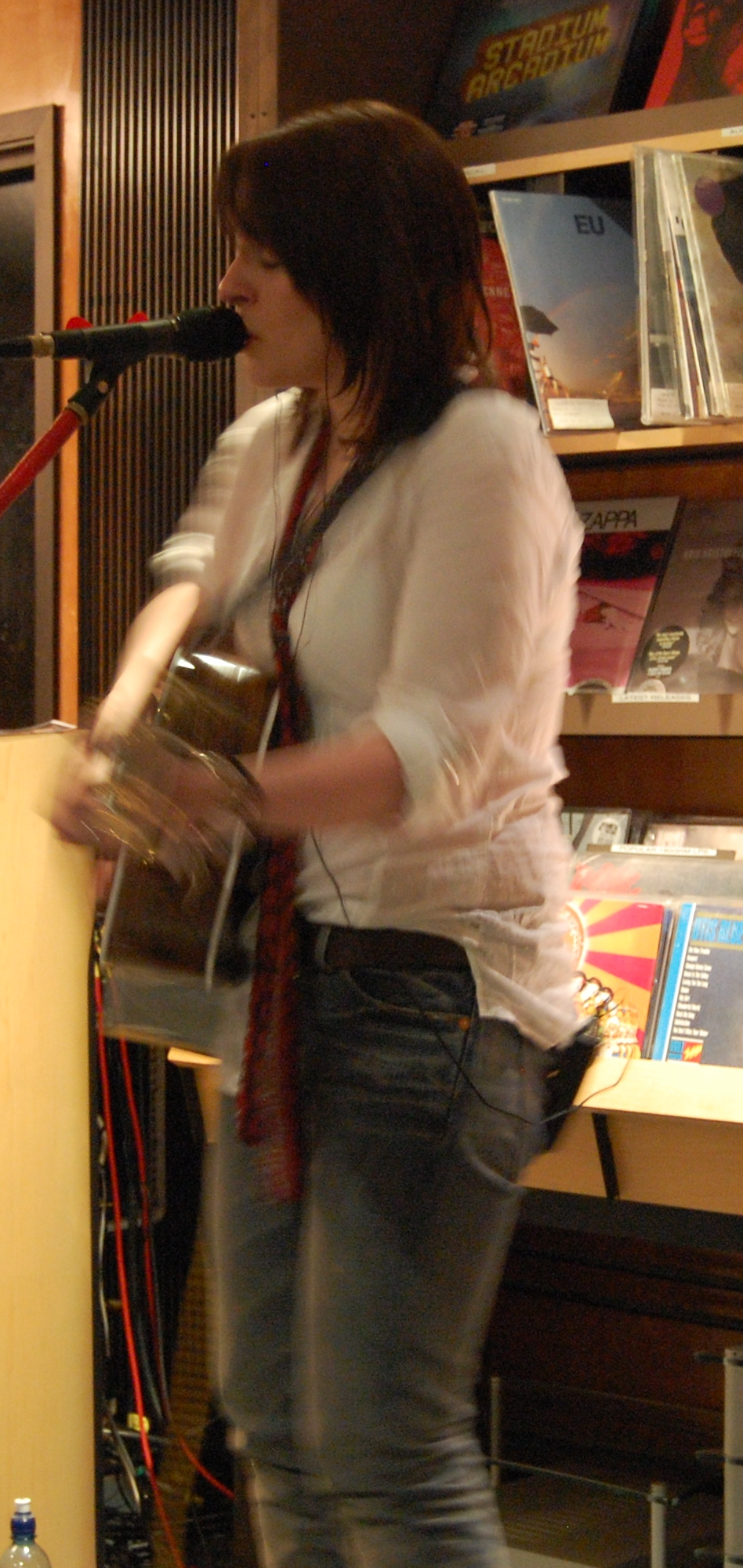 Maeve live at Grahams Hi-Fi