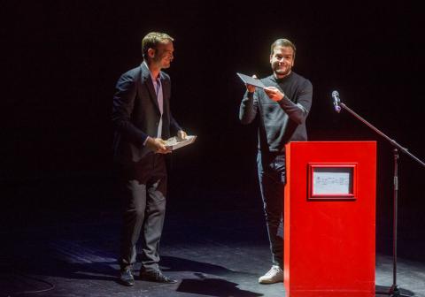 Francesco accepts award